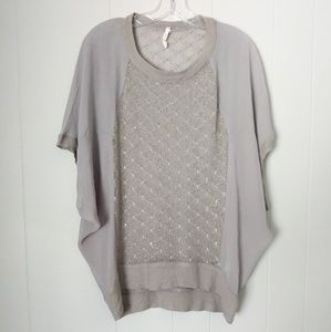 Willow & Clay Gray Top Size Small